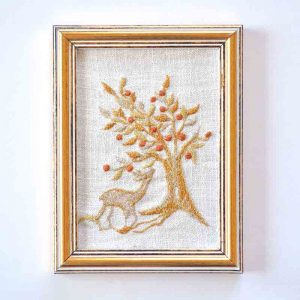 תמונה רקומה-אייל ועץ